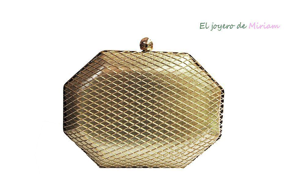 e62e3ec1d0c75 Bolso clutch dorado -